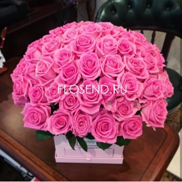 51 роза малиновая коробке