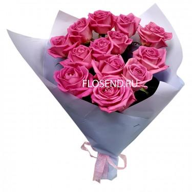 Букет из 13 розовых роз