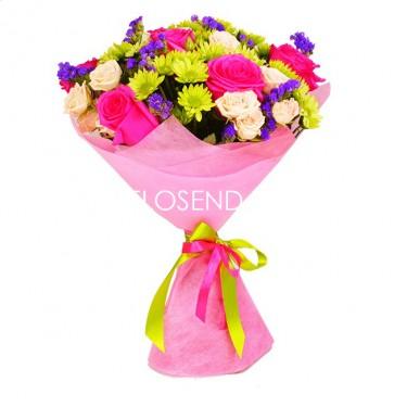 Букет из хризантем и роз небольшой