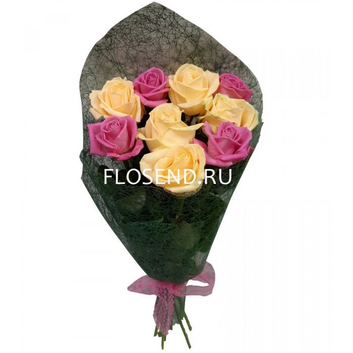 Букет из 9 кремовых и розовых роз